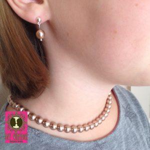 glasparelketting-caramel-met-bijpassende-oorstekertjes